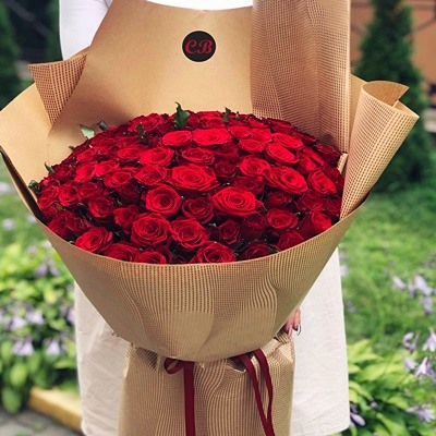 101 Red Roses to Istanbul