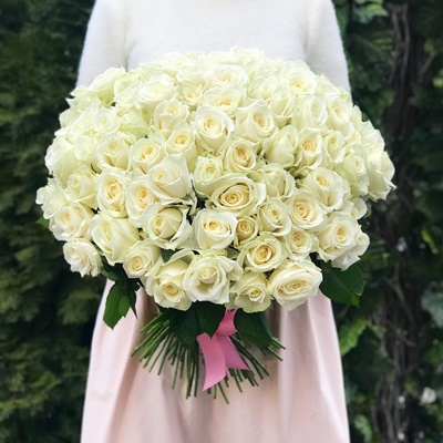 101 White Roses to Istanbul