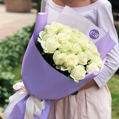 21 White Roses to Istanbul