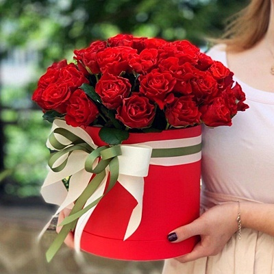 Send roses in a box to Istanbul