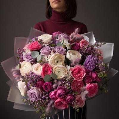 Luxury flower bouquets to Istanbul