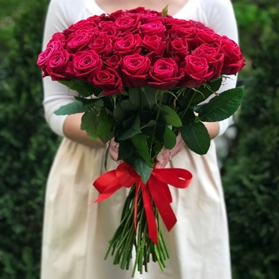51 Raspberry Roses to Istanbul